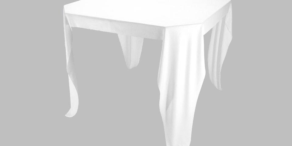 TABLES et CONSOLES drapées .